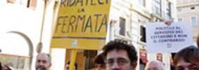635311 Sit In del PD per richiedere la fermata dell'autobus in Via Del Plebiscito