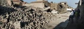 Pompei 9007_3_cd70_les-ruines-de-la-maison-des-gladiateurs-a_2dbc70a8f8e93f05e9686a79f39326010