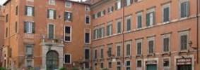 palazzo_cenci_bolognetti_at_piazza_delle_cinque_scole