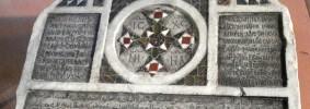 Zisa 00px-0698_-_PA_-_La_Zisa_-_Iscrizione_funebre_quadrilingue_-_Foto_G__Dall'Orto1