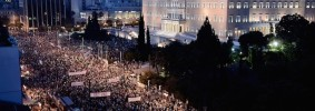 Manifestanti a favore del NO a piazza Syntagma ad Atene, 29 giugno 2015.  (LOUISA GOULIAMAKI/AFP/Getty Images)